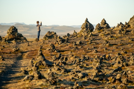 Among the cairns of Laufskálavarða